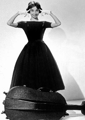 Ariane Love in the Afternoon de BillyWilder avec Audrey Hepburn Givenchy 1957