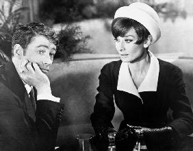 Diamants sur canape Breakfast at Tiffany's de Blake Edwards avec George Peppar et Audrey Hepburn Giv 1961