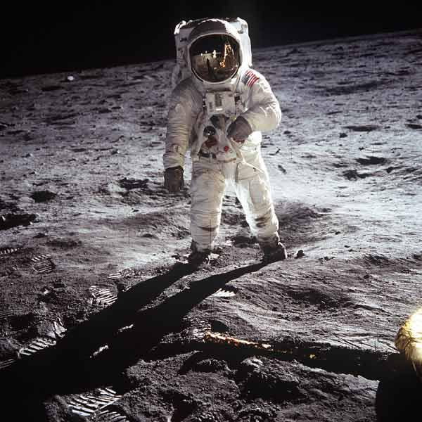 1st steps of human on Moon : American Astronaut Edwin Buzz Aldrinwalking on the moon during Apollo 1 July 20, 1